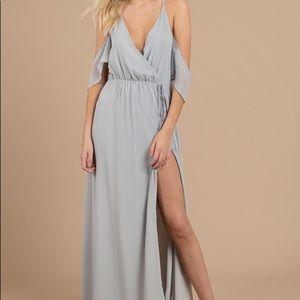 Maxi dress + cold shoulder